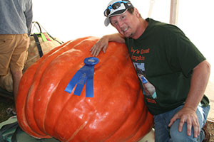 Giant pumpkin and watermelon win big at State Fair